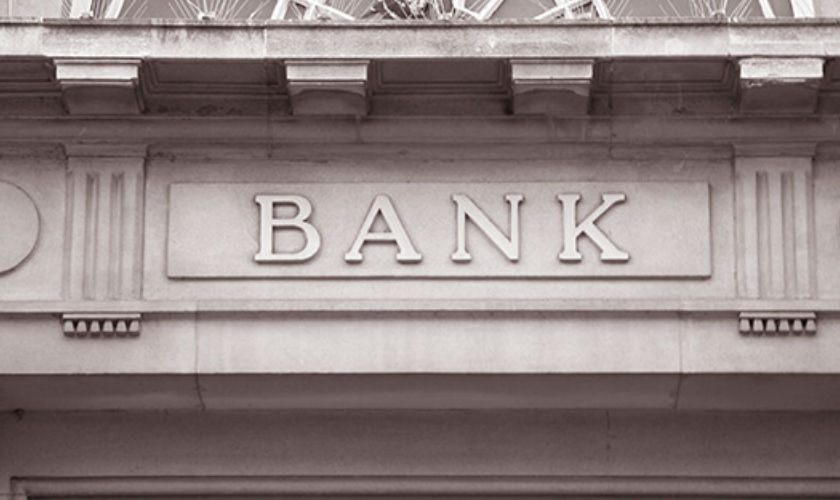 The not-so-mysterious case of the banks' disappearing financial advice